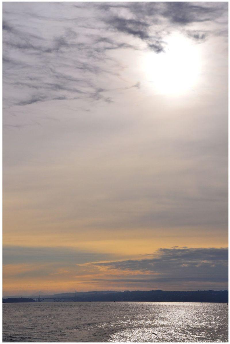 Lever de soleil sur le pont de l'Iroise