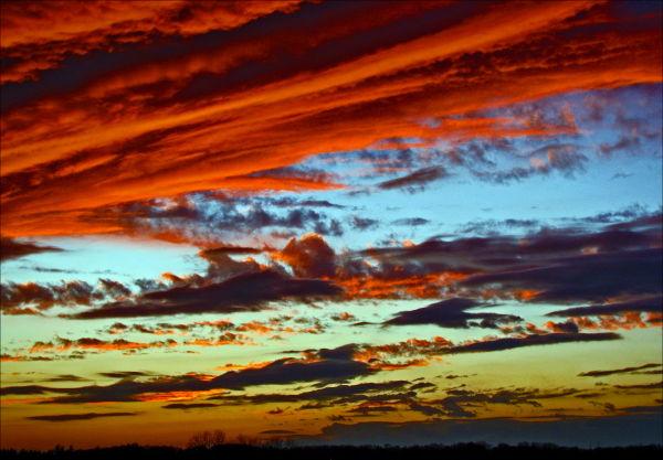 Red Sky at Night  or Bloody Ocean ?