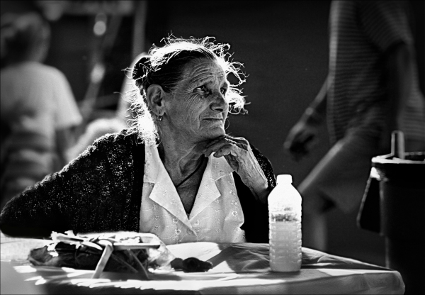 BW portrait old woman