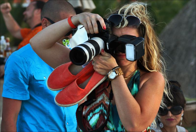 espadrilles camera girl