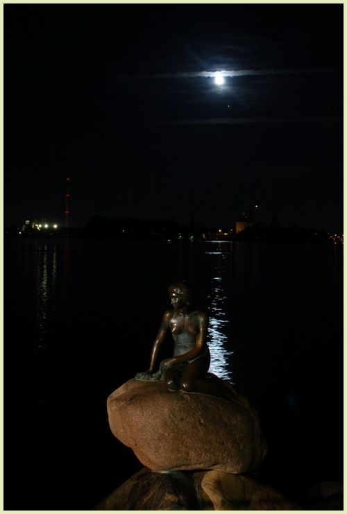 the little mermaid at night