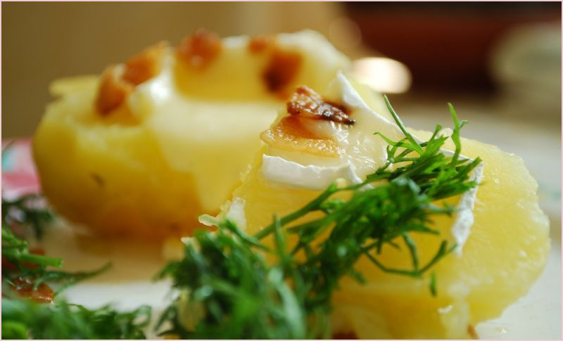 a dish of boiled potatoes