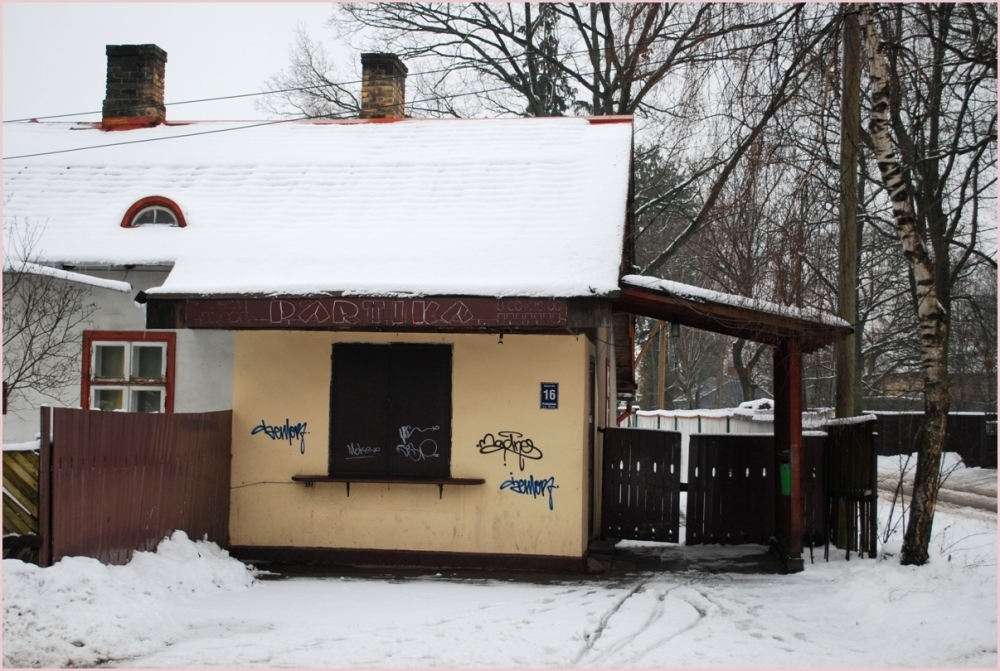 an old shop building in zolitūde, riga, šampēteris