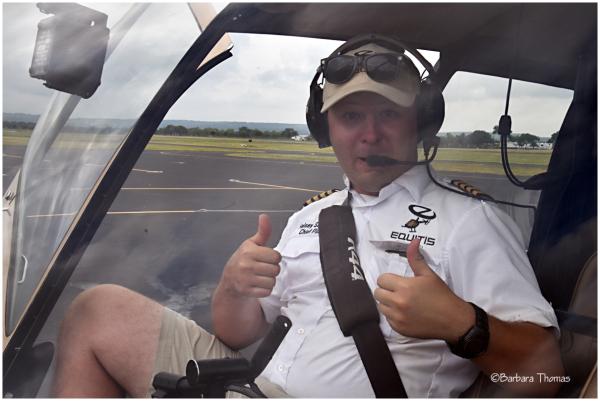 Pilot Photobomb