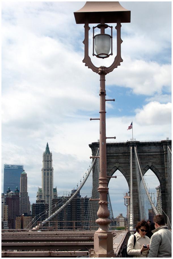 Brooklyn Bridge Light