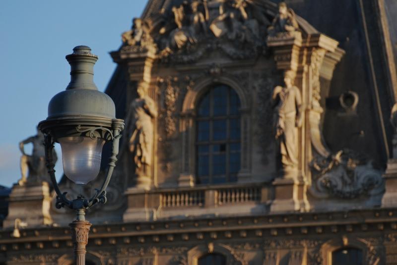 Lorsque le soleil s'endort sur le Louvre...