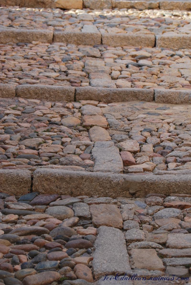 Les marches roses de la Citadelle de Calvi