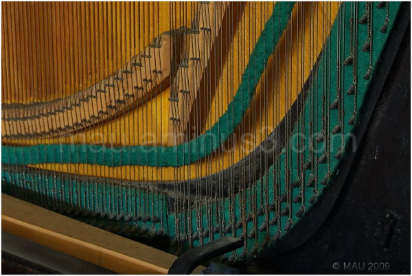 Grandma's old vertical piano (III)