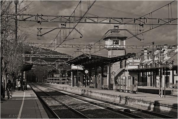 Esperando al tren en la estación de El Escorial