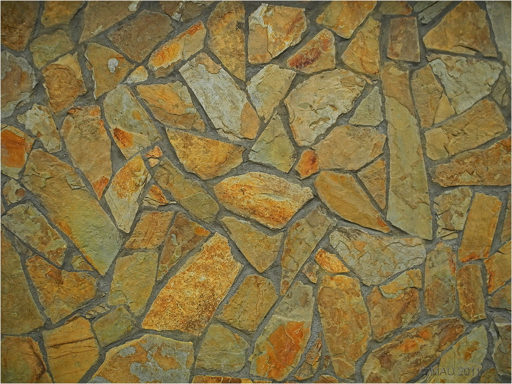 Stone wall looking like a puzzle