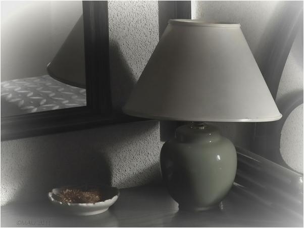 La lámpara de mi mesilla de noche