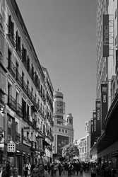 Una vista de la calle Preciados, Madrid