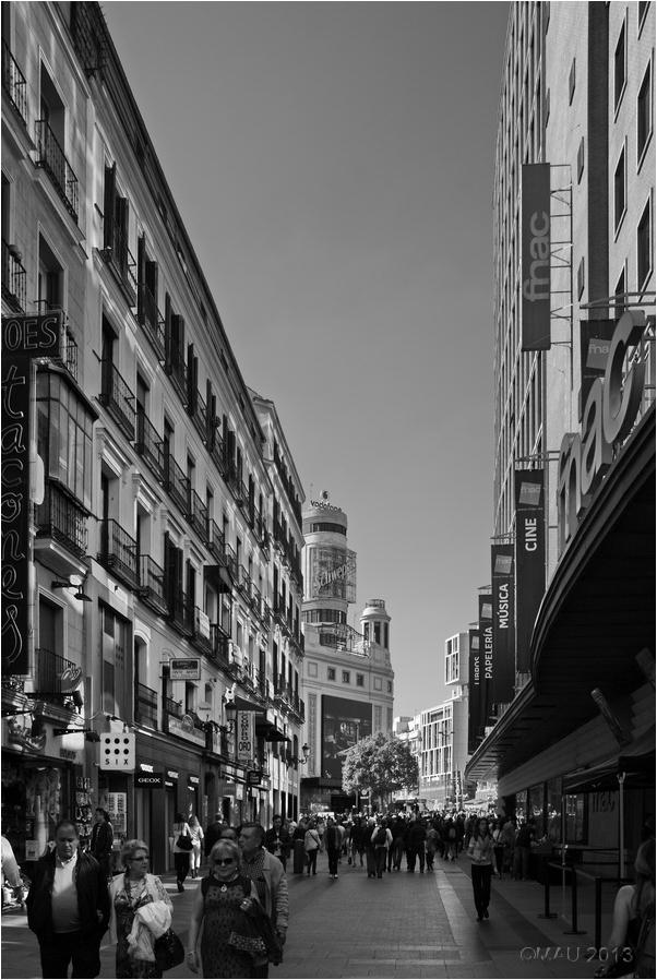 Calle Preciados    y 3