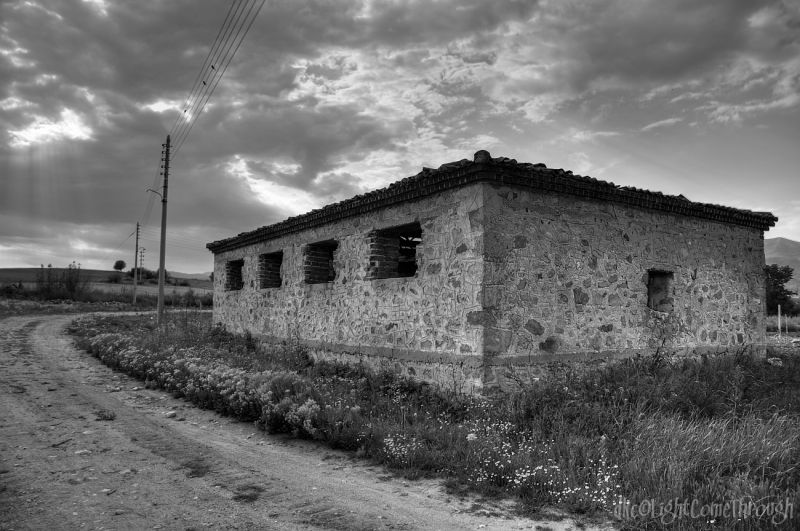 a hdr house turns bw