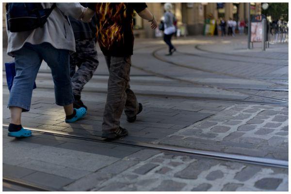men crossing the road, Helsinki, feeds