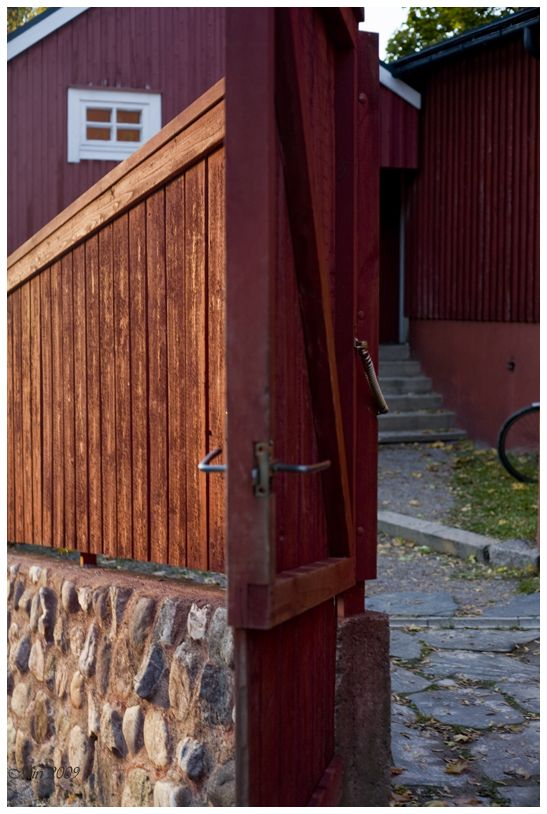 Porvoo, open gate to a yard