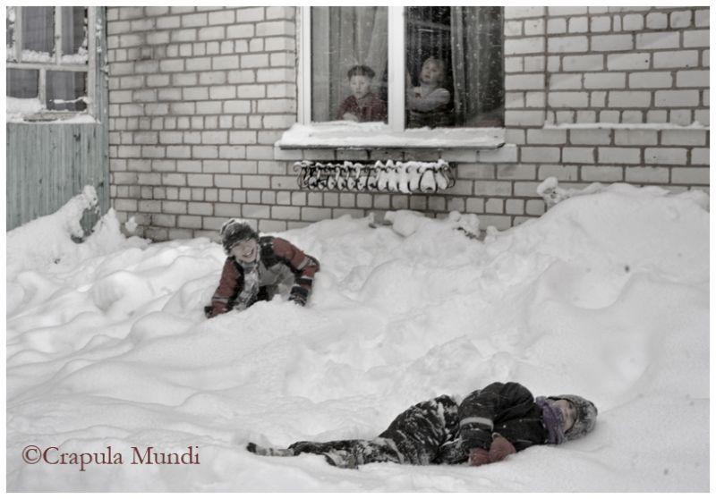 boys playing in snow, Piski - Friend's House