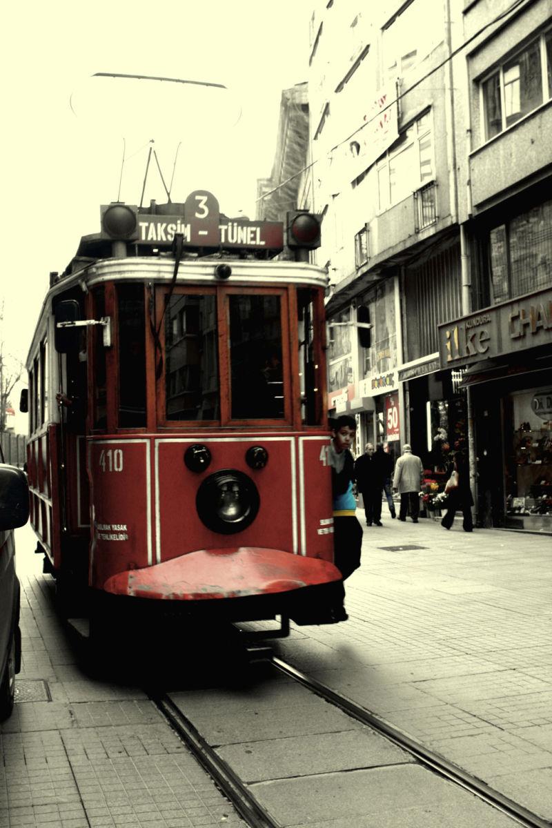 train from taksim to beyoglu