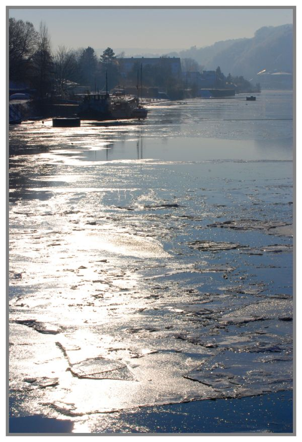 La Meuse gelée  à l'écluse de La Plante 09/01/2009