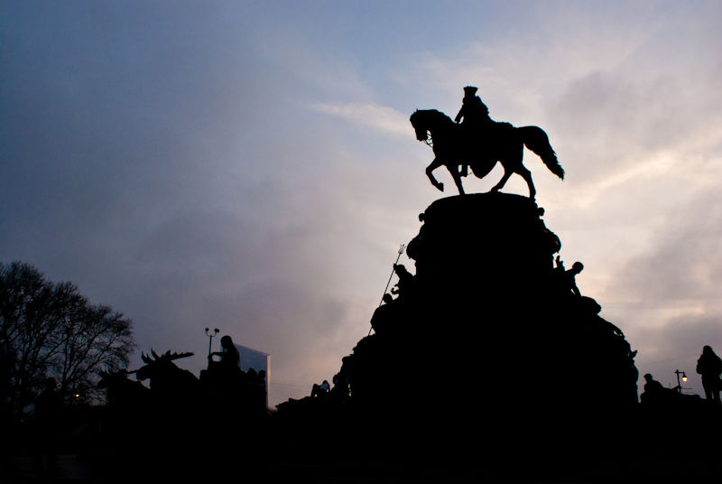 philadelphia PA statue sunset silhouette