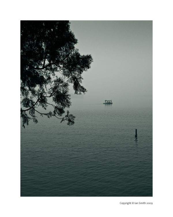 misty Kunming Lake, Beijing