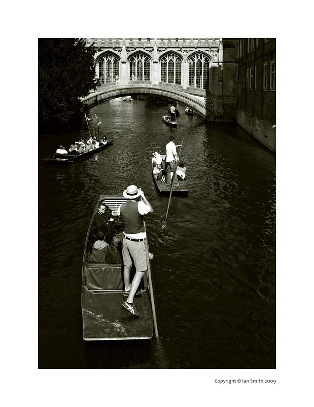 Punting under the Bridge of Sighs