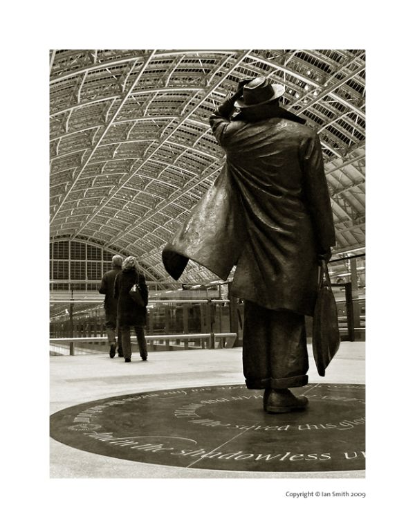 Sir John Betjeman, St Pancras Station, London