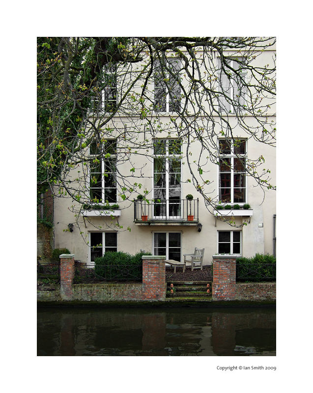 House on Canal, Bruges