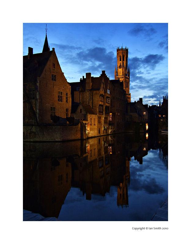 Rozenhoedkaai Canal at dusk, Bruges