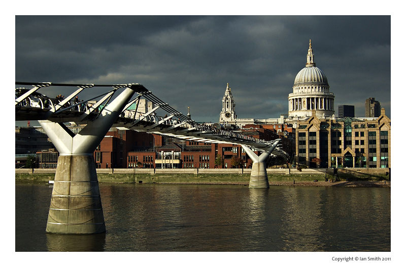 Millenium Bridge, St Paul's Cathedral