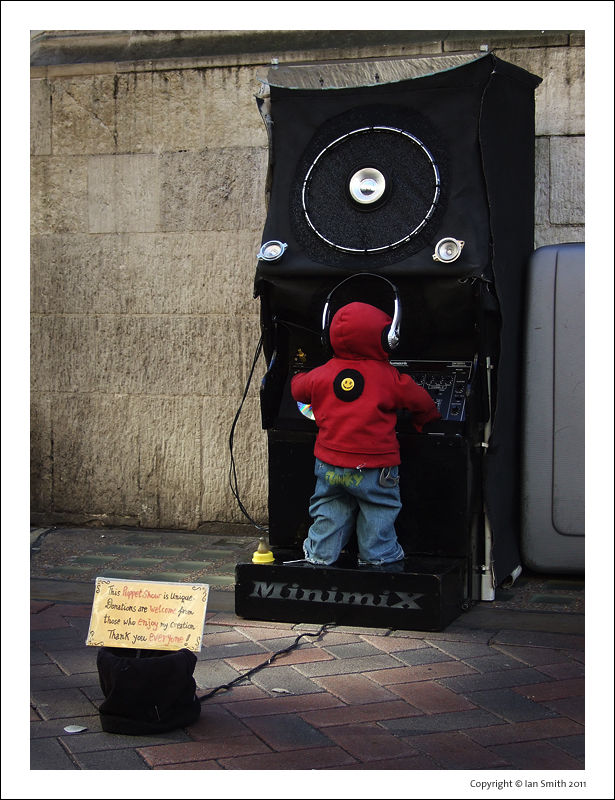 Minimix DJ, Carnaby Street