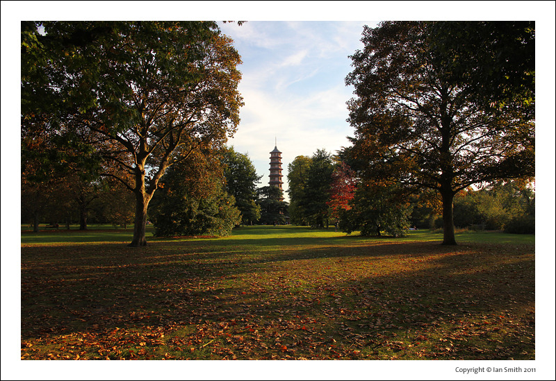 The Pagoda at Kew Gardens in early autumn