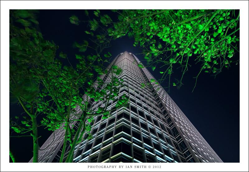 2IFC tower in Hong Kong