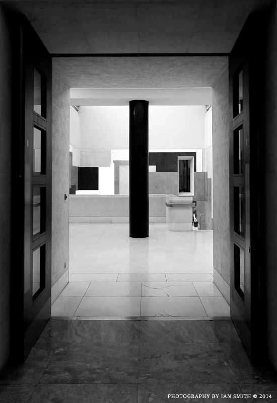 Doorway in Tate Briatin, London