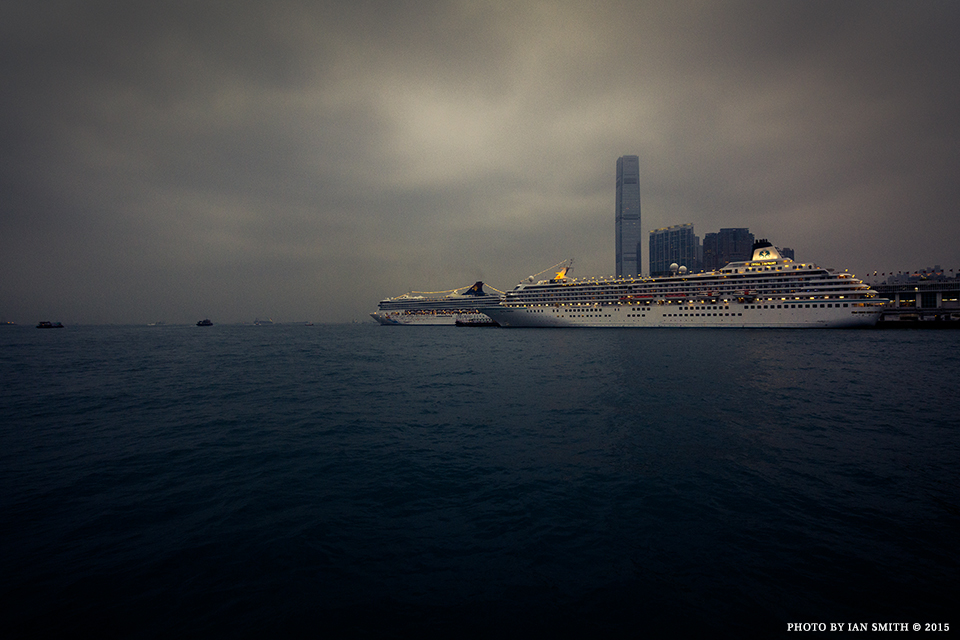 Cruise ships in Hong Kong