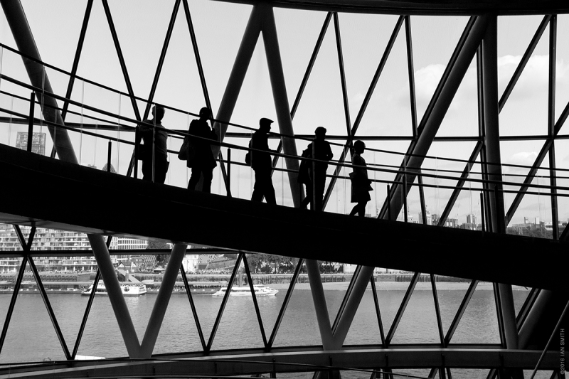 Silhouettes in City Hall, London