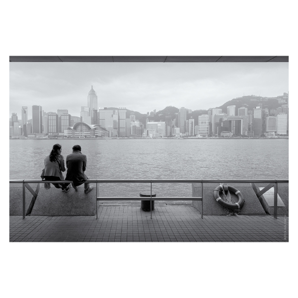 A couple chatting in Hong Kong