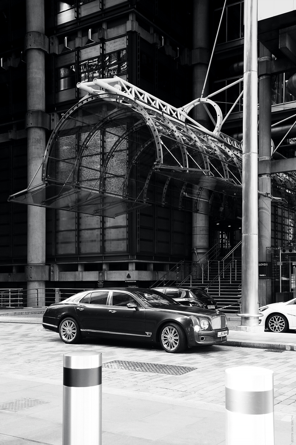 Bentley outside Lloyds building, London