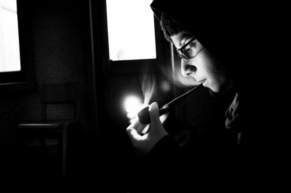 pipe, smoke, girl, match, light