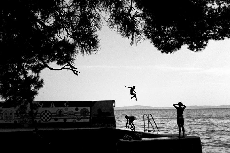 split, croatia, sea, jump, kid