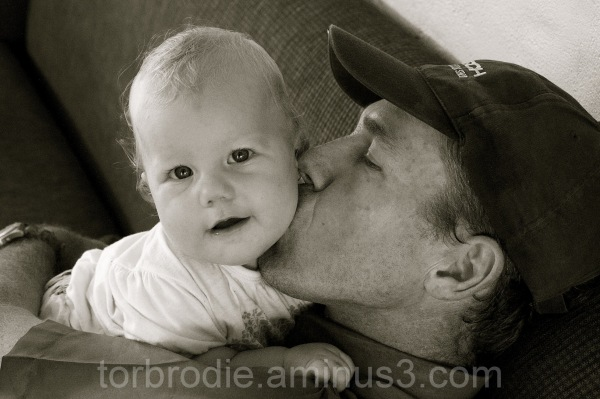 carli and daddy midday cuddles