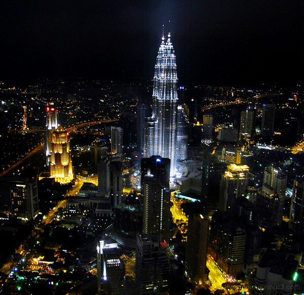 the city never sleeps...........