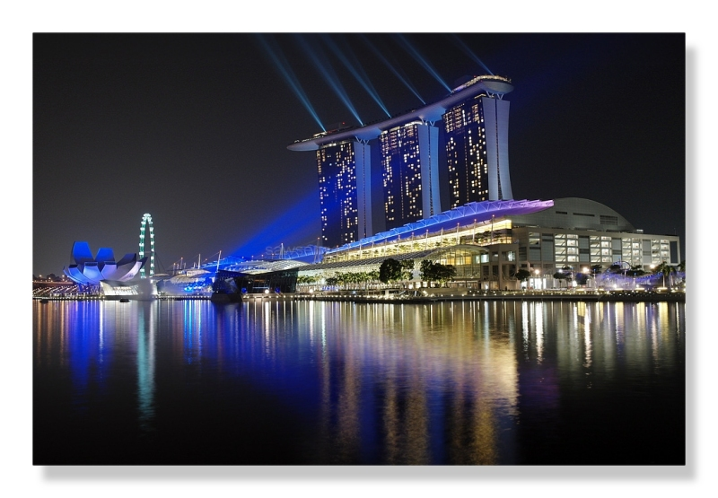 Son et lumière Singapore marina bay night view