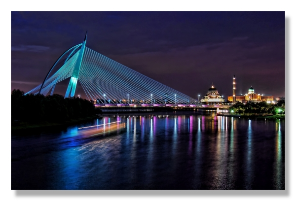 Putrajaya Sri Wawasan Bridge nightscene lake