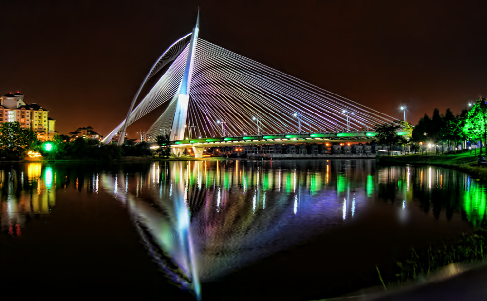 Putrajaya Sri Wawsan bridge nightscene