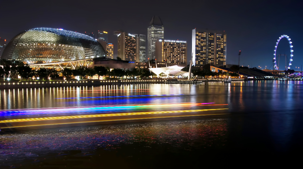 Singapore esplanade marina bay night skyline