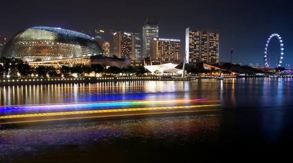 Singapore esplanade marina bay night skyline
