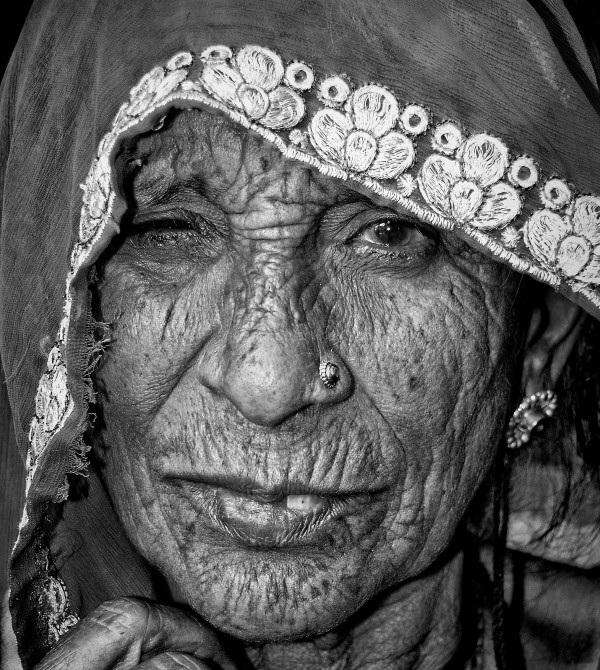 portrait old woman Bundi Rajasthan India monochrom