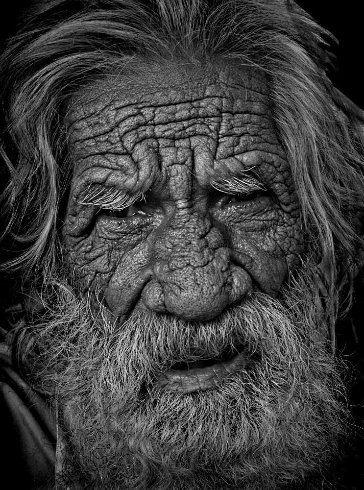 monochrome portrait old indian Haridwar