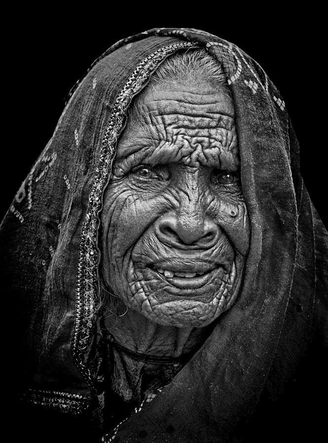 monochrome Rajasthani woman Pushkar old portrait